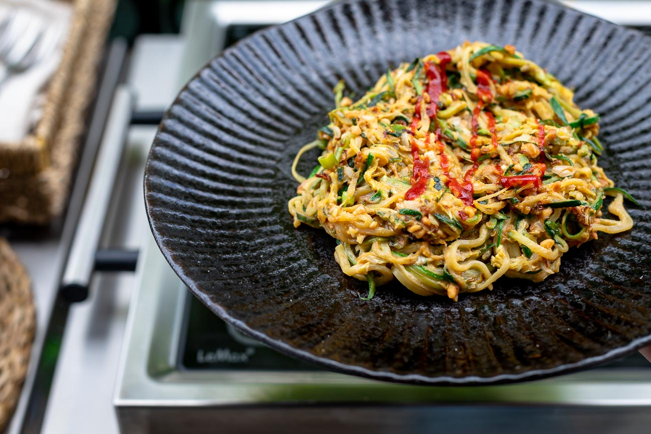 Asiatische Zoodles (Zucchini-Nudeln Rezept)