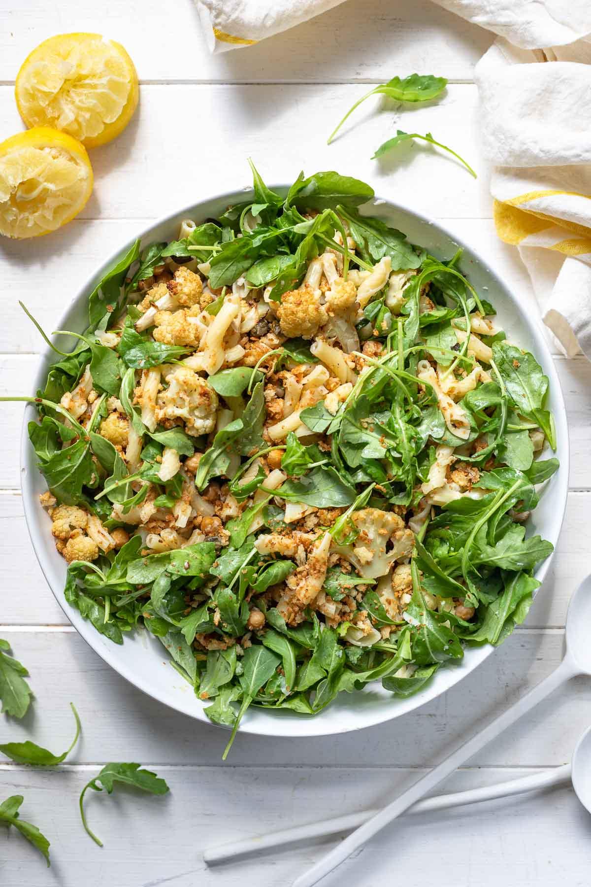 Blumenkohl-Nudelsalat mit Kichererbsen