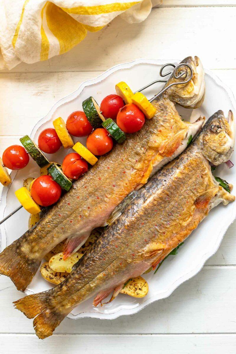 Gegrillter Saibling: Ganzer Fisch vom Grill