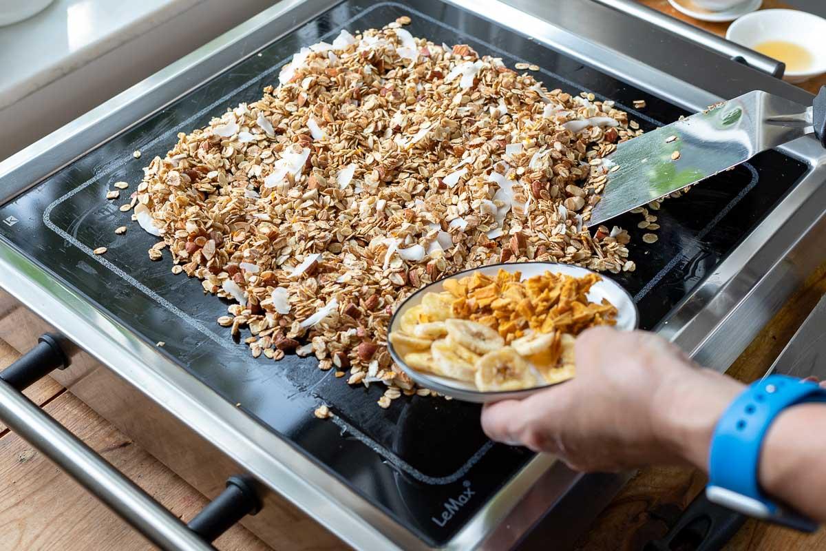 Granola auf dem ELAg LeMax Grill