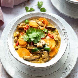 Thai Erdnuss-Nudeln mit Gemüse Rezept